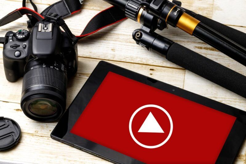 Common YouTube mistakes with a camera and tablet