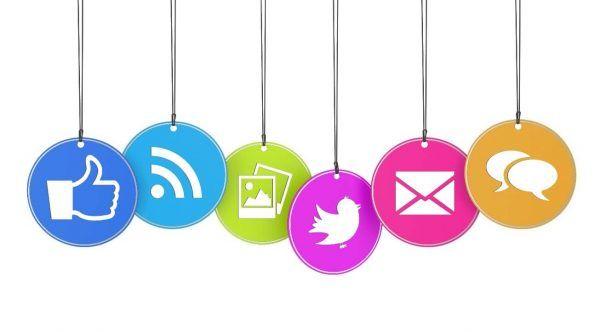 Technology news in social media