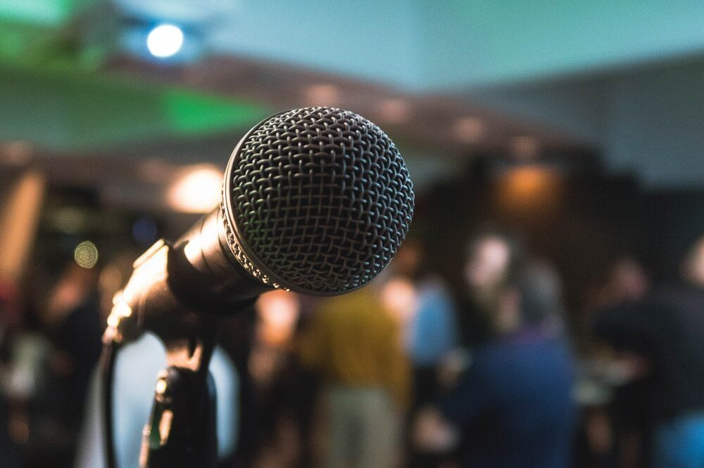 Telling your funnel marketing story on stage.